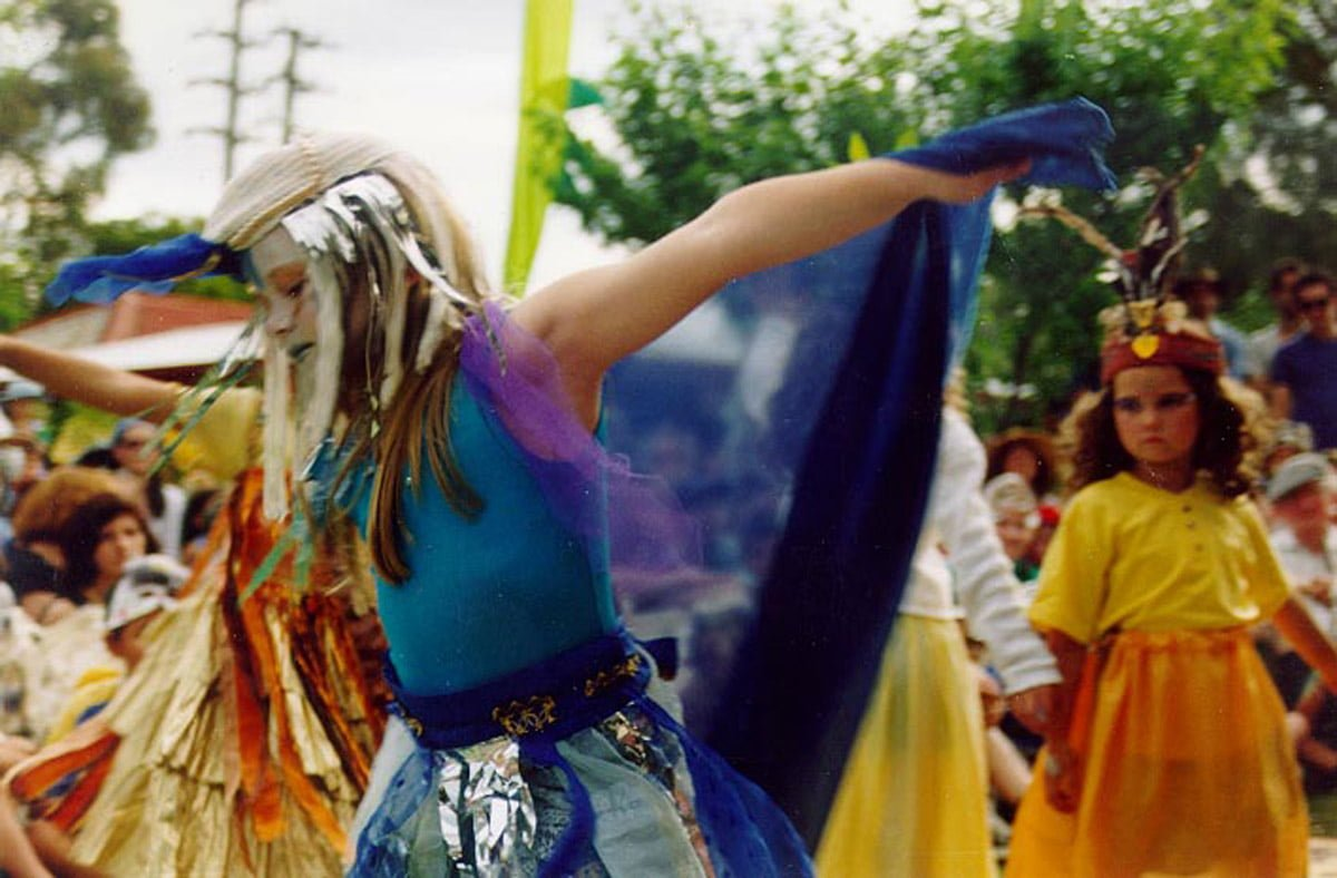 Return Of The Sacred Kingfisher Festival 1999 Dance